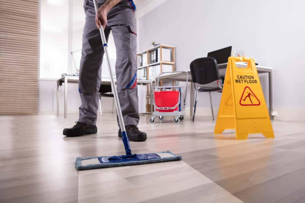 Hausmeister Service und Gebäudereinigung